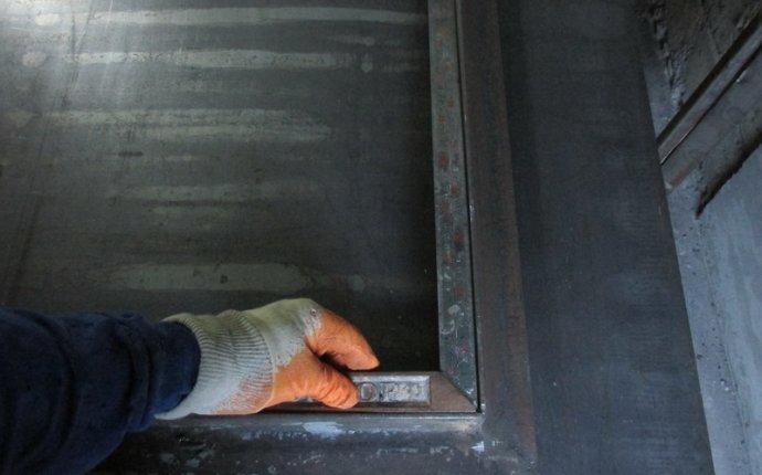 Как правильно сделать входную металлическую дверь с окном и