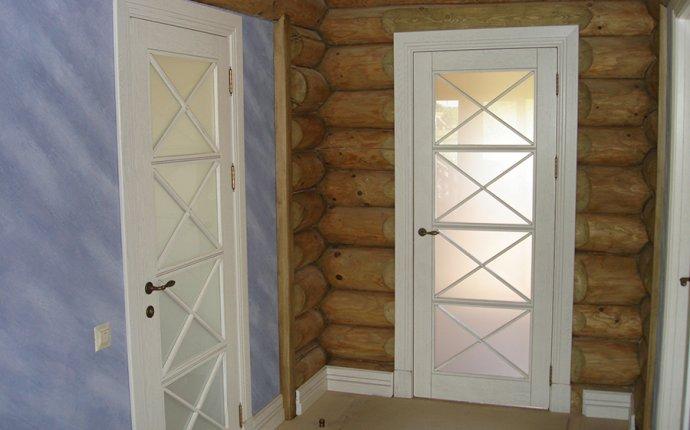 Купить деревянные двери входные и межкомнатные под заказ в Минске