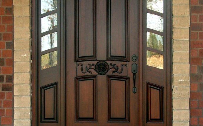 Наружную входную стальную дверь выбрать