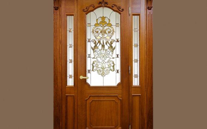 Входная деревянная дверь из дуба с витражным стеклом | Лесопарк