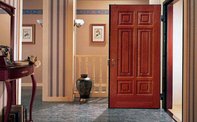 Входная железная дверь в квартиру дешево