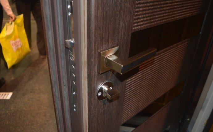 Входные двери металлические с установко
