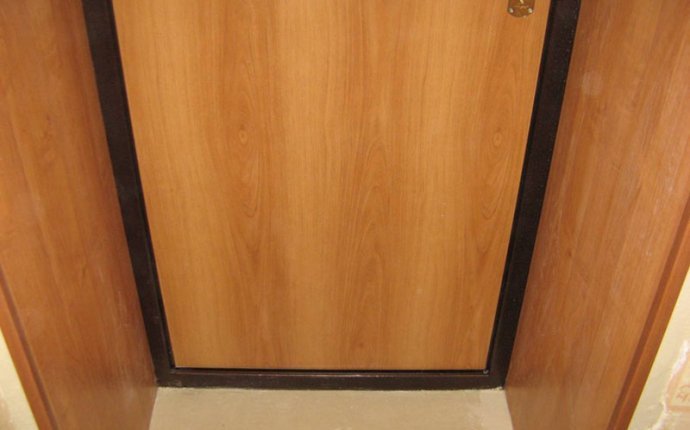 Внутренняя отделка входной двери своими руками