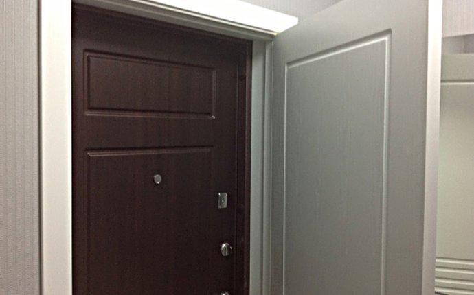 Вторая входная дверь в квартиру: плюсы и минусы