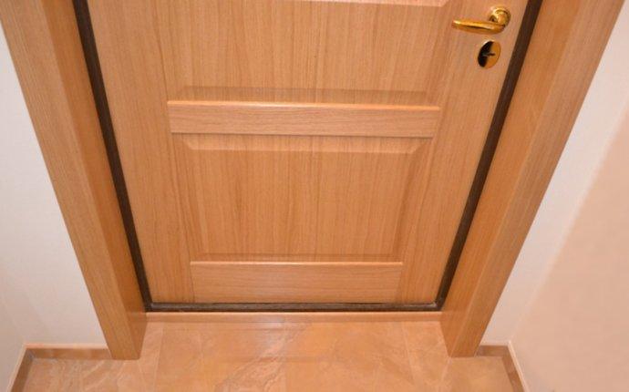 Как сделать откосы после замены входной двери
